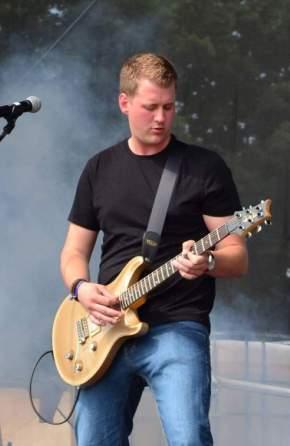 André!!! ...der Neue an der Gitarre